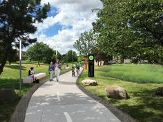 Protected cycle paths will link the riverfront with neighbourhoods to the north. Image Courtesy of City of Detroit