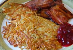 I made Raggmunk or potato pancakes for my Eurovision party as the host country of the biggest song contest in the world this year was Sweden.Raggmunk are fried in butter and may be served on its own … A Food, Food And Drink, Potato Pancakes, Swedish Recipes, Food Inspiration, Yummy Treats, Diet Recipes, Bacon, Clean Eating