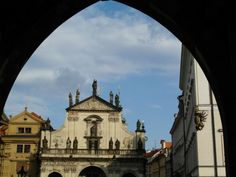 Church of the Holy Saviour in the Clementinum. Prague Old Town, Top Site, Walking Tour, Barcelona Cathedral, Travel Destinations, Old Things, Louvre, Road Trip Destinations, Destinations