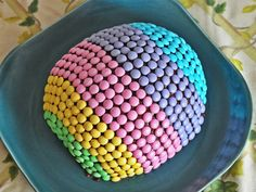 Easter Egg Cake - http://www.pincookie.com/easter-egg-cake/