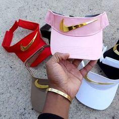 -it's the queen odalysramos✨- Bone Da Nike, Dope Hats, Visor Cap, Accesorios Casual, Types Of Fashion Styles, Girly Things, Nike Shoes, Womens Fashion, Fashion Trends
