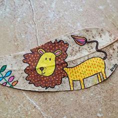 León Lion #leon #infantil #lunares #colores #flor #lion #children #spots #colours #flowers #happy #funny #eucalipto #eucalyptus #hojas #leaves #hojaspintadas #paintedleaves