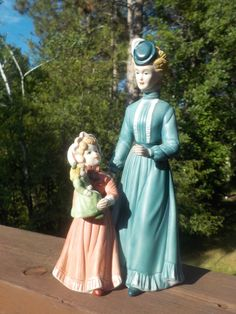 Vintage Home Interiors, #8812 Out For A Stroll Porcelain Victorian Lady With A Girl Holding A Doll