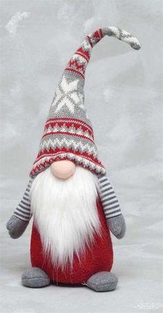 Christmas Gnome, Scandinavian Christmas, Diy Christmas Gifts, Christmas Projects, Christmas Decorations, Christmas Ornaments, Christmas Holiday, Holiday Socks, Christmas Mantels