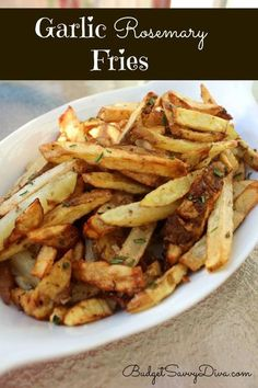 Garlic Rosemary Fries + Top 25 Gluten Free Recipes- Hoping these will taste like Smashburger's fries! Actifry Recipes, Gf Recipes, Gluten Free Recipes, Cooking Recipes, Healthy Recipes, Easy Recipes, Gluten Free Dinner, Gluten Free Cooking, Batata Potato