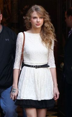 Taylor Swift in white and black