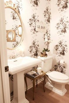 Classic black and white floral give the room … Vintage Glam Powder Room Makeover. Classic black and white floral give the room a french chic vibe. French Country Style, French Country Decorating, French Chic, Home Design, Ideas Dormitorios, Modern Powder Rooms, Modern Room, Home Wallpaper, Bathroom Wallpaper Vintage