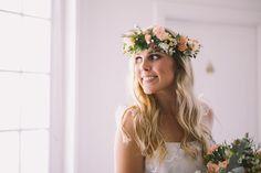 Relaxed-Vintage-Boho-Wedding-Inspiration-Bride-Dress-Flower-Crown-Hair-Makeup-2