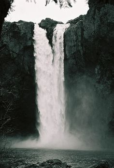 Snoqualmie Falls by ksurfiws, via Flickr