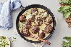 Lihapullat kantarellikastikkeessa Iron Pan, Sausage, Meat, Ethnic Recipes, Kitchen, Food, Cooking, Sausages, Kitchens