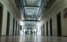 As cadeias que, sem armas, derrubam as taxas de reincidência criminal no Brasil  http://controversia.com.br/3369
