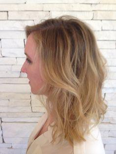 rooty, beachy blonde highlight by STEPHEN NATHANIEL JEAN using L'Oreal Platinium and Wella Illumina 9/60 :)