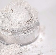 Hey, I found this really awesome Etsy listing at https://www.etsy.com/listing/103069320/snowflake-mineral-makeup-eyeshadow-5g