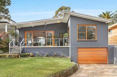 บ้านสีเทายกพื้น