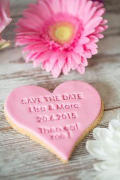 Save the Date! Verschaffe dir Eindruck mit dem Tiefdruck und dem Aufdruck von www.dein-keksstempel.de