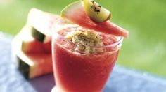 Want to wow friends with a non-alcoholic beverage?  Here's one that will do just that!