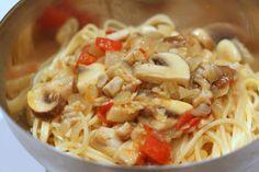 Pasta with Razor Clams, Mushrooms and Saffron White Wine Sauce: Pasta with razor clams recipe