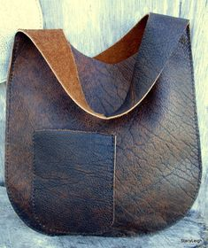 Leather Bag Handmade in Distressed Bison Leather – with Deer Antler – Bonnie Cashin Inspired Simple Chic Boho Bohemian Style by Stacy Leigh Leather Oval Sling Bag in Distressed Bison Leather by Stacy Bonnie Cashin, Leather Pouch, Leather Purses, Leather Handbags, Style Boho, Boho Chic, Leather Bags Handmade, Handmade Bags, Diy Handbag