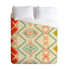 Cloak your favorite comforter in this charmingly patterned duvet cover to change…