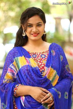 Beautiful Girl In India, Beautiful Blonde Girl, Beautiful Girl Photo, Beauty Full Girl, Cute Beauty, Beauty Women, Beauty Girls, Beautiful Bollywood Actress, Most Beautiful Indian Actress