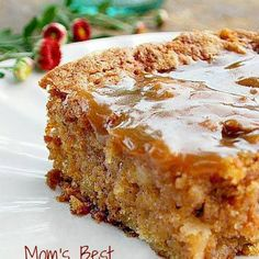 Mom's Best Apple Cake Mom's Best Apple Cake - I love old fashioned cakes like this. There are lots of apples in this cake, it's soft and moist. There's also a hot caramel sauce poured over the cake after it's baked that makes this outrageously delicious 13 Desserts, Delicious Desserts, Dessert Recipes, Drink Recipes, Food Cakes, Cupcake Cakes, Apple Cake Recipes, Apple Cakes, Moist Apple Cake