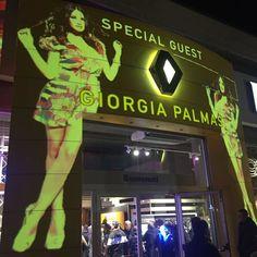 #GiorgiaPalmas Giorgia Palmas: Grazie #rimini splendida accoglienza e bell'evento @renault_italia  #me #giorgiapalmas #happy ed ora viaaaa verso #milano