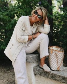 Best Fashion Tips For Women Over 60 - Fashion Trends Over 60 Fashion, Mature Fashion, Older Women Fashion, Over 50 Womens Fashion, Fashion Over 50, Boho Fashion, Fashion Outfits, Fashion Trends, Punk Fashion