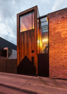 HOUSE, Richmond, Australia by Andrew Maynard Architects