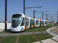 Angers: Un tramway disparaît comme par magie ! Rail Europe, Tramway, Light Rail, Public Transport, Old World, Transportation, Scene, France, Places