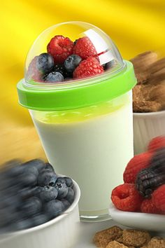 Reusable Yogurt To Go Cup - Add Your own Fruits & Granola #breakfast #workout #healthy #weightloss #diet