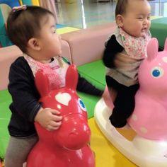 Instagram media chika0109 - この躍動感(笑) ブレすぎ!  #babygirl  #幼馴染み #おてんばガール #ロディ