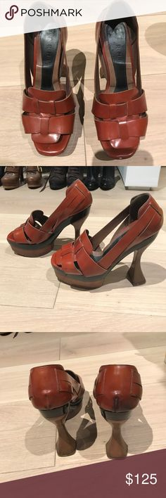 MARNI art deco platform heels DESIGNER SHOE. MARNI brown leather platform sandals with black application and wood curved heel. In very good shape. Vintage! Marni Shoes Platforms