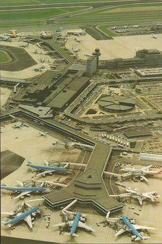 International Airport Schiphol Amsterdam p35566