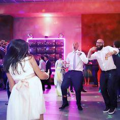 Melenas al viento... y a vivir el momento!! FELIZ FIN DE SEMANA!! #adisfrutar #memories #bodas #baile #momentos #fiesta #party #locuras #gentemaja #peromajamaja #wedding #dance #photography #weddingday #photo #weddingphotography #villena #alicante #alma #ojo #corazon #canonistas        Wedding Day Wedding Planner Your Big Day Weddings Wedding Dresses Wedding bells