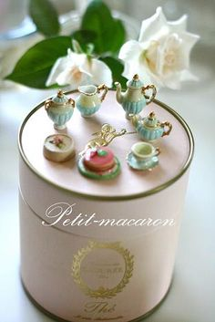 Tiny tea set - lovely!