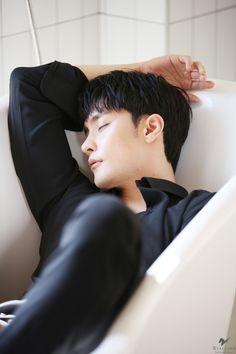 Korean Men, Asian Men, Asian Actors, Korean Actors, Sung Hoon My Secret Romance, Lee Jae Yoon, Yoo Seung Ho, Cute Asian Guys, Unsung Hero