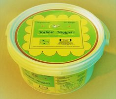 Seidensteiner. Organischer Volldünger. Rabbit Nuggets - Kaninchengold. 250 g Eimer. GTIN/EAN 4280001307001 . supr.com/t-u-m/