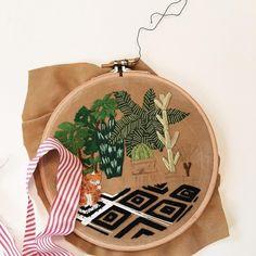 Hey kitty kitty 🐱  #casnac #kasnak #nakış #işleme #elyapımı #zet #handembroidery #handembroidered #handmadeisbetter #HandmadeLoves #handembroider #handstitched #handcrafted #contemporaryembroidery #contemporaryart #hoopart #embroideryhoops #embroider #embroidery #embroidered #embroideredart #embroideryart #etsy #homedecor #homeinteriors