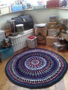 Burow-inspired Crochet Rag Rug from Tee Shirt Yarn (spaghetti/fettucini yarn) - CROCHET