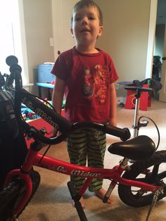 We love seeing the smiles of our happy customers! Send us a pic of your tyke with their bike! #glidebikes #balancebike #kids #bicycle www.glidebikes.com