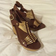 Stunning wedges Steve Madden wedges. Do have some worn out spots, but you cannot tell from a distance. These are so hot! Size 8. Put your summer calves and these and walk with confidence. Steve Madden Shoes Wedges