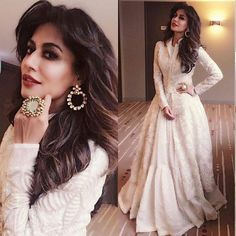 Chitrangadha doing her thaaaaang ! A pretty cream ensemble perfectly complimenting her dusky beauty .. we can't help but fall in love  and just look at that gorgeous ring she is sporting  . . #indian_wedding #indian_weddings #indianwedding #indianweddings #indianweddinginspiration #weddinginspiration #realwedding #realindianwedding #indianbride #lehnga #weddings #weddingday #weddinginspiration #bride #love #instagood #instadaily #cute #bridal #weddingPhotography #photography #bride