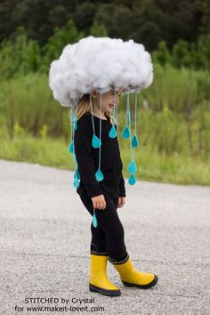 Make a quick & easy RAIN CLOUD COSTUME…Diy kids dress up, would be great to make togehter. tha base is simply a hat! Make a quick & easy RAIN CLOUD COSTUME…Diy kids dress up, would be great to make togehter. tha base is simply a hat! Halloween Infantil, Diy Halloween Costumes For Kids, Easy Halloween, Halloween Party, Costume For Kids, Group Halloween, Zombie Costumes, Halloween Couples, Quick Costume Ideas