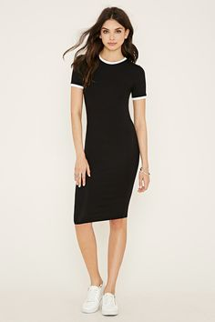 This knit T-shirt dress features a contrast round neckline and short-sleeved trim.