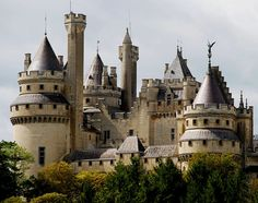 Château de Pierrefonds / Picardie, France AKA WHERE THEY SHOOT THE BEST SHOW EVER CALLED MERLIN:)