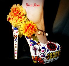 Los Muertos Mexican sugar skull floral heels by NixxiRose on Etsy, $220.00