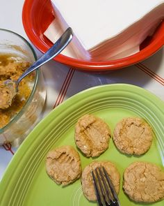 Peanut Butter Cookies, 3 Ingredients, Quick Easy Meals, Cookie Recipes, Zucchini, Vegetables, Cooking, Tutorials, Food