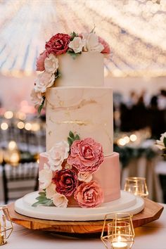 This wedding cake is so perfect. Love the pink florals and gold accent! This wedding cake is so perfect. Love the pink florals and gold accent! Burgundy Wedding Cake, Pink And Gold Wedding, Floral Wedding, Wedding Cakes With Flowers, Pink Wedding Cakes, Wedding Motifs, Cute Birthday Cakes, Wedding Cake Designs, Wedding Cake Decorations