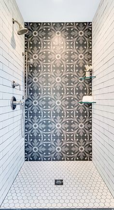 Black And White Bathroom Floor, White Tile Shower, Black And White Tiles Bathroom, Shower Floor Tile, Bathroom Floor Tiles, Bathroom Tile Showers, Master Shower Tile, Black Shower, Master Bathroom