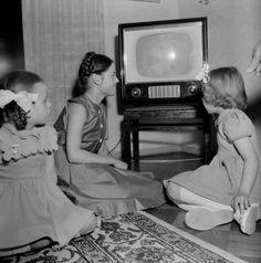 in Finland Box Tv, Helsinki, Vintage Children, Finland, Trending Memes, 1960s, Funny Jokes, Retro, Kids